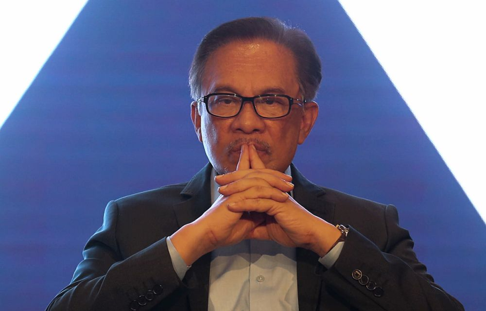 Last Saturday, Nazrin posted on his Facebook page a proposal for a no-confidence motion against Anwar as PKR president. ― Picture by Sayuti Zainudin