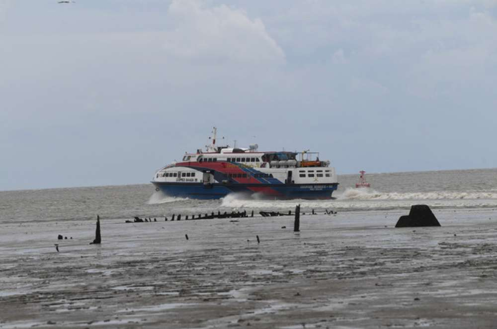 Dragon Star's ferry caught fire with 52 people on board after departing from the Langkawi Ferry Terminal to Kuala Perlis on February 25. — Bernama pic