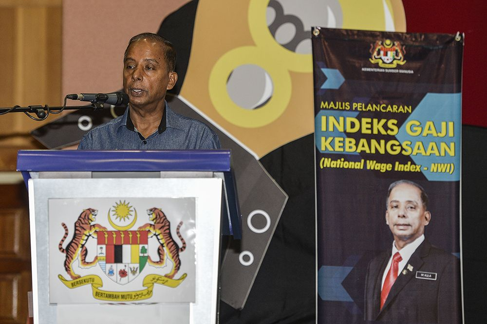 Human Resources Minister M. Kulasegaran speaks during the launch of the National Wage Index in Putrajaya February 19, 2019. ― Picture by Miera Zulyana