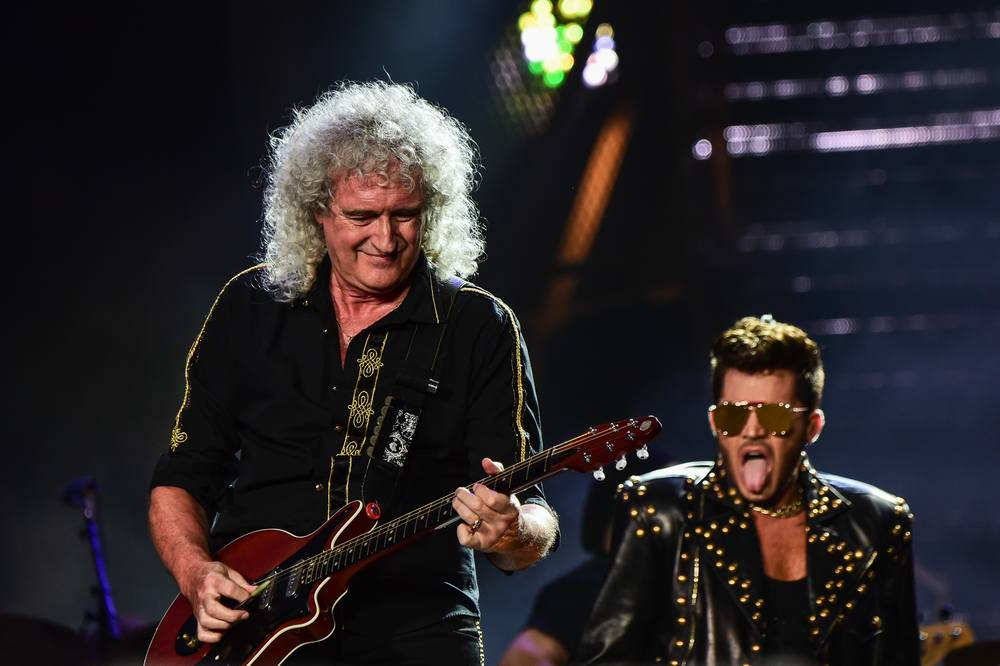Brian May (left) of British rock band Queen and musician Adam Lambert perform during the Rock in Rio music festival in Rio de Janeiro September 19, 2015. — AFP pic