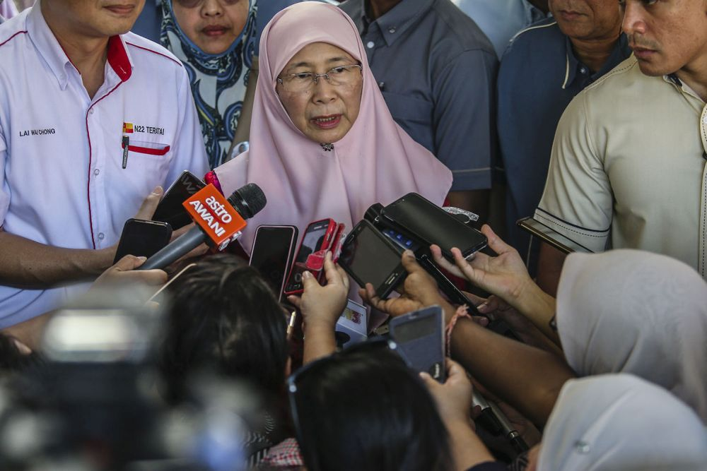 Deputy Prime Minister Datuk Seri Dr Wan Azizah Wan Ismail has reminded parents to play a more aggressive role in monitoring their children's activities on social media to prevent them from falling prey to sexual exploitation. — Picture by Hari Anggara