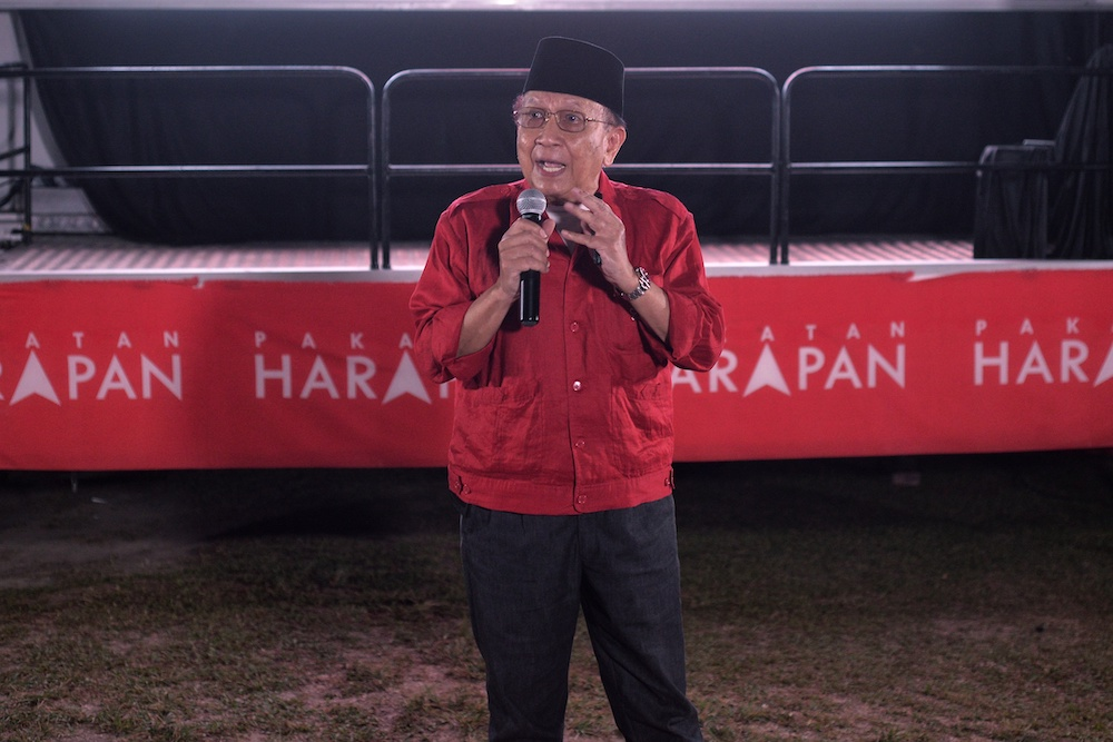 Tan Sri Dr Rais Yatim said there are already quite a few Malay-based political parties, adding that the basic formation on Dr Mahathir's new party was also less clear. — Picture by Shafwan Zaidon