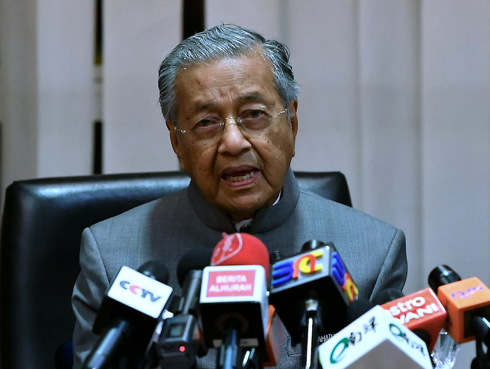 Prime Minister Tun Dr Mahathir Mohamad speaks to the media after visiting victims of the Sungai Kim Kim contamination at Sultan Ismail Hospital, March 14, 2019. — Bernama pic