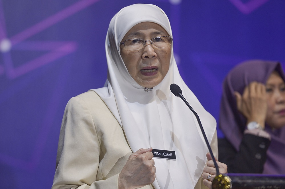 Deputy Prime Minister Dr Wan Azizah Wan Ismail said on Twitter that her position about the issue remains the same, citing the Malay Mail report from August last year in which she said Islam forbids its followers from recognising LGBT rights. — Picture by Mukhriz Hazim