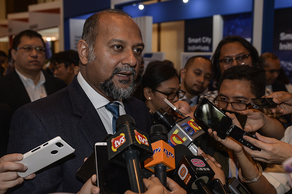 Communications and Multimedia Minister Gobind Singh Deo reiterated recently that the ministry had not issued any directive or guideline to RTM on providing coverage in opposition-held states. — Picture by Miera Zulyana