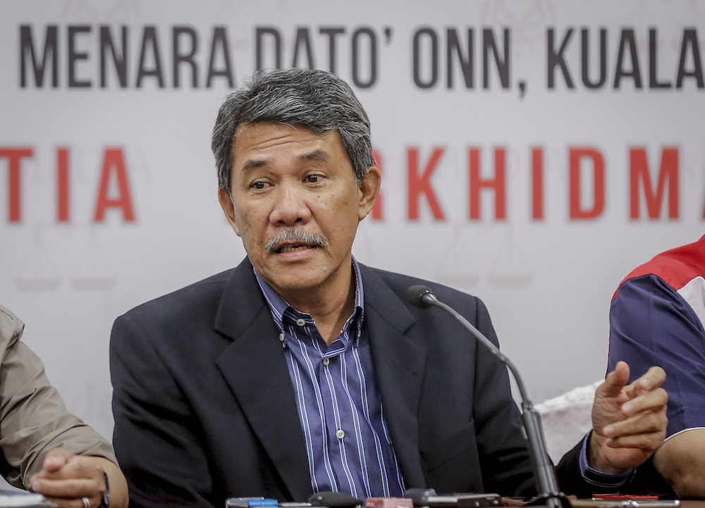 The Umno deputy president said placing parties under the jurisdiction of the EC would undermine the concept of democracy as practised in the country. — Picture by Firdaus Latif