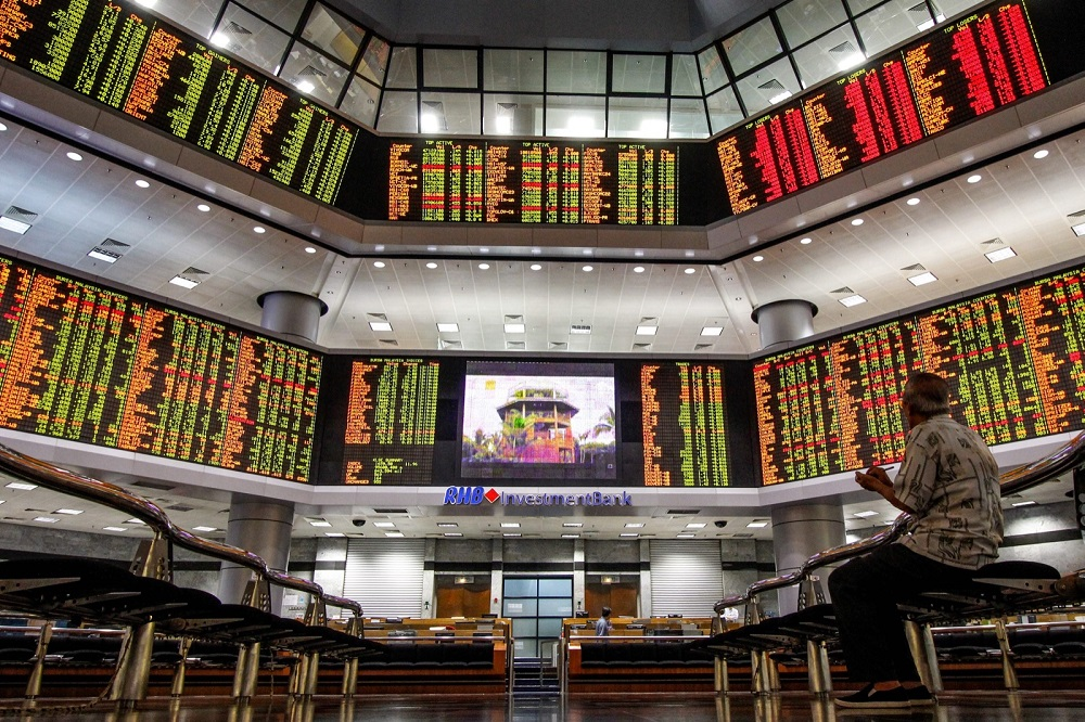 Bursa Malaysia turned mixed at mid-morning today. — Picture by Hari Anggara