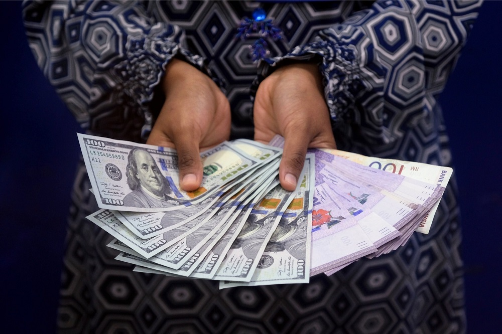 Ringgit notes are seen at a money changer in Kuala Lumpur June 20, 2018. — Bernama pic