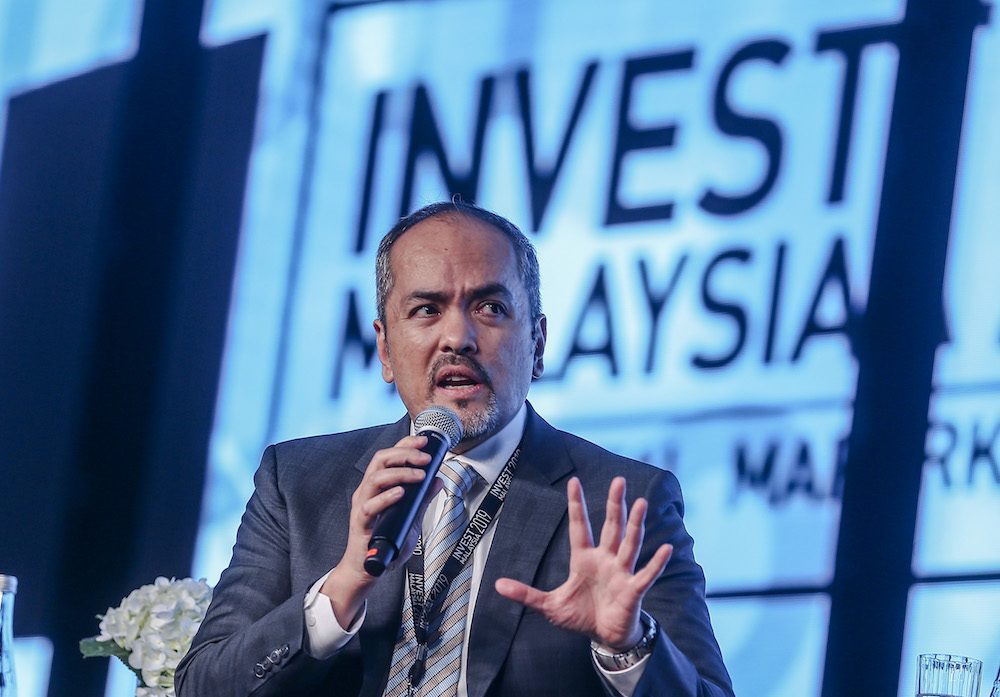 EPF CEO Tunku Alizakri Alias speaks during a panel discussion at Invest Malaysia 2019 in Kuala Lumpur March 19, 2019. — Picture by Firdaus Latif