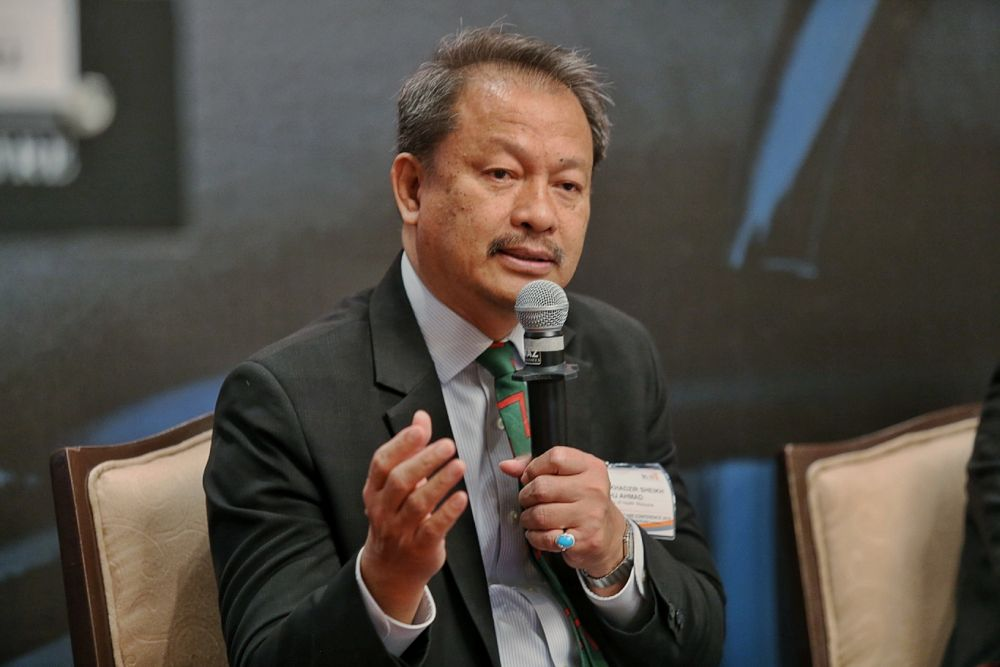 Dr Md Khadzir Sheikh Ahmad speaks during the Malaysian Health Care Conference 2019 in Kuala Lumpur March 7,2019. ― Picture by Ahmad Zamzahuri