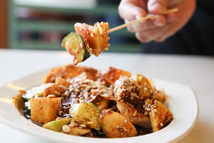 Accompany your bowl of 'cendol' with their fruit rojak where they make their own sauce