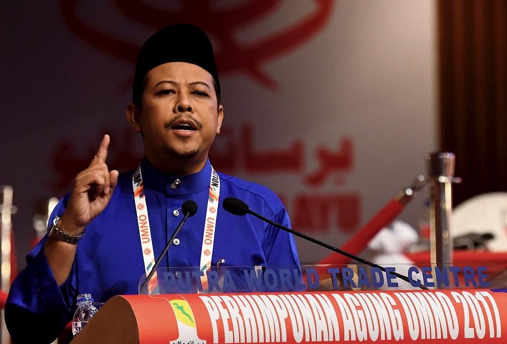 Umno's Datuk Razlan Rafii speaks during the Umno general assembly Kuala Lumpur December 9, 2017. — Bernama pic