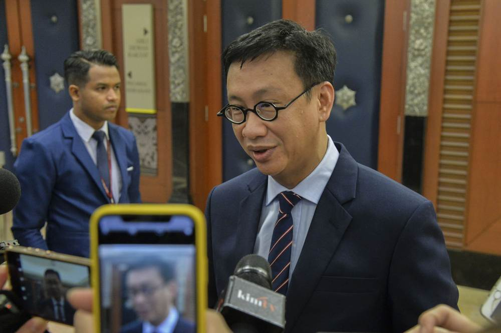PKR MP Wong Chen, who was at in contact with the infected Khazanah worker, announced on Facebook that he has placed himself under medical quarantine. ― Picture by Hari Anggara