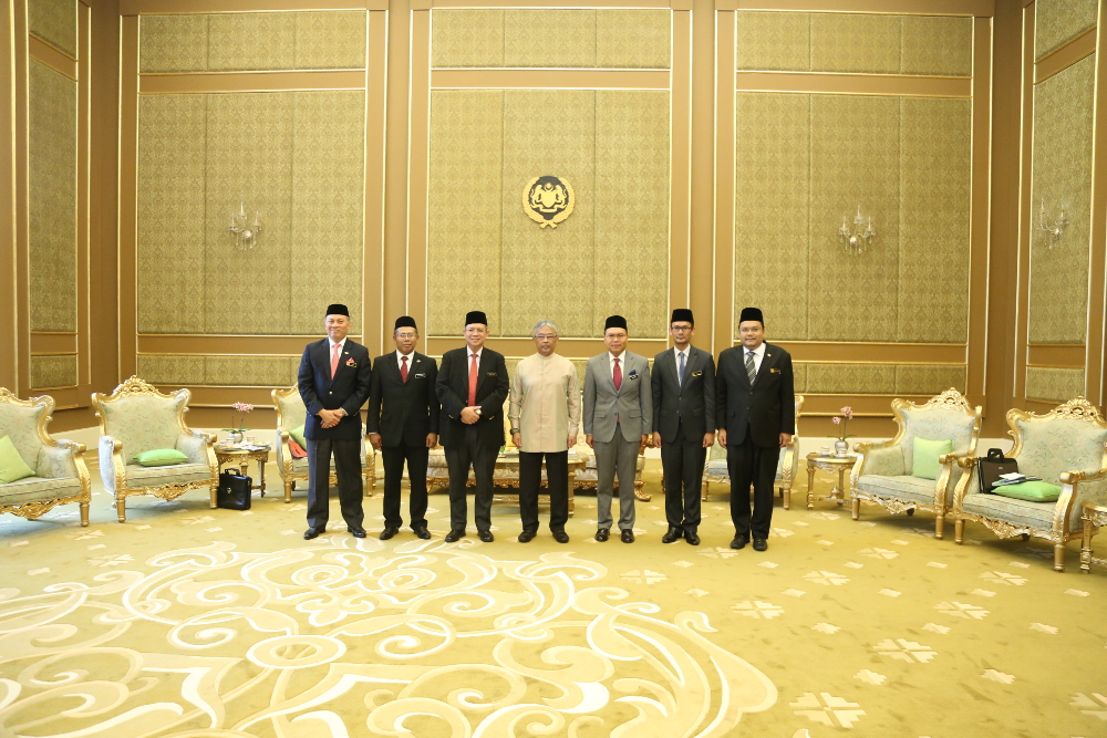 Foreign Minister Datuk Saifuddin Abdullah (3rd left) meets Yang di-Pertuan Agong Al-Sultan Abdullah Ri'ayatuddin Al-Mustafa Billah Shah March 12, 2019. — Picture courtesy of Wisma Putra