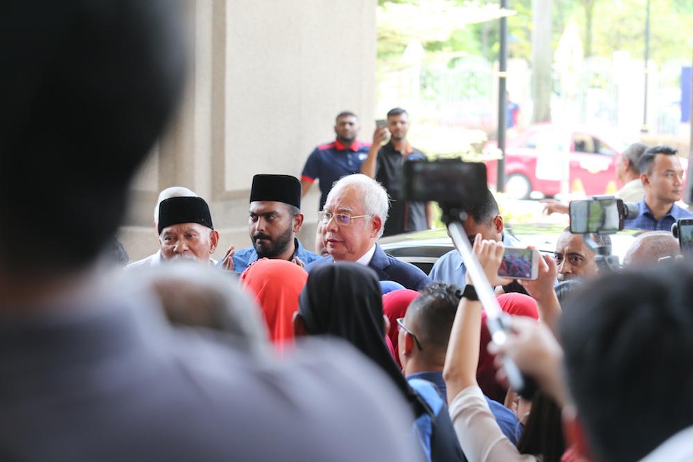Datuk Seri Najib Razak arrives at the Kuala Lumpur Court Complex April 3, 2019. — Picture by Ahmad Zamzahuri