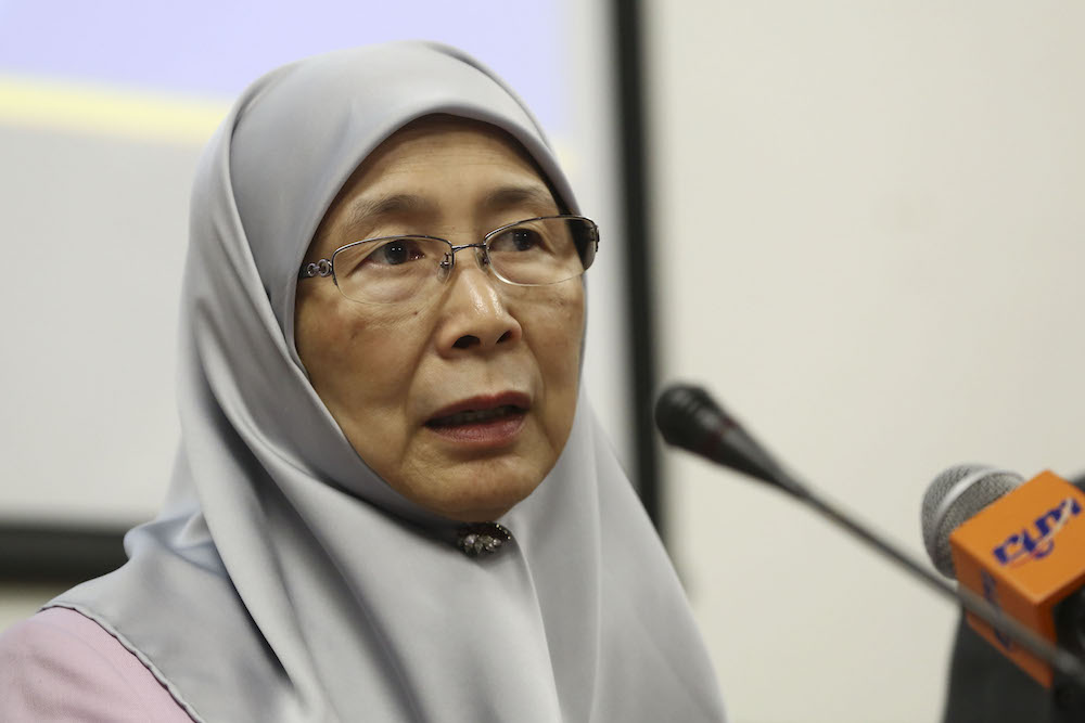 Datuk Seri Dr Wan Azizah Wan Ismail speaks during a press conference in Parliament April 4, 2019. — Picture by Yusof Mat Isa