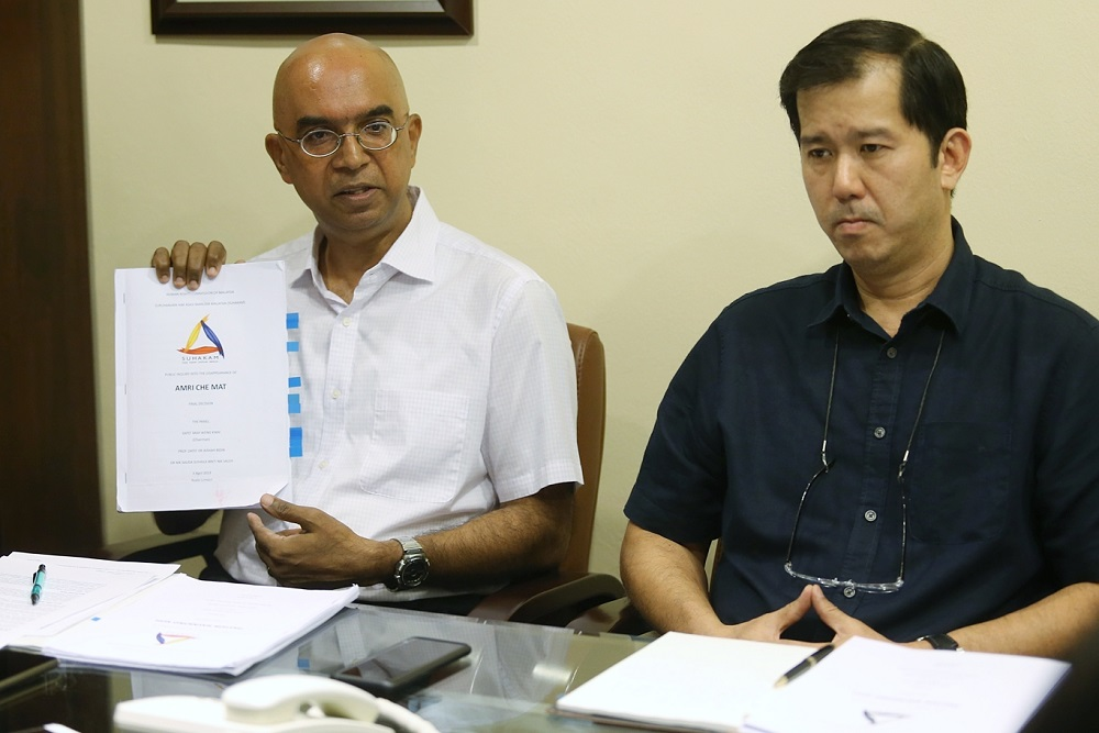 Citizens Against Enforced Disappearances (Caged) spokesman Rama Ramanathan (left) and Andy Yong from NS Leong & ST Low Lawyers at a press conference in Kuala Lumpur April 6, 2019.¬ — Picture by Ahmad zamzahuri