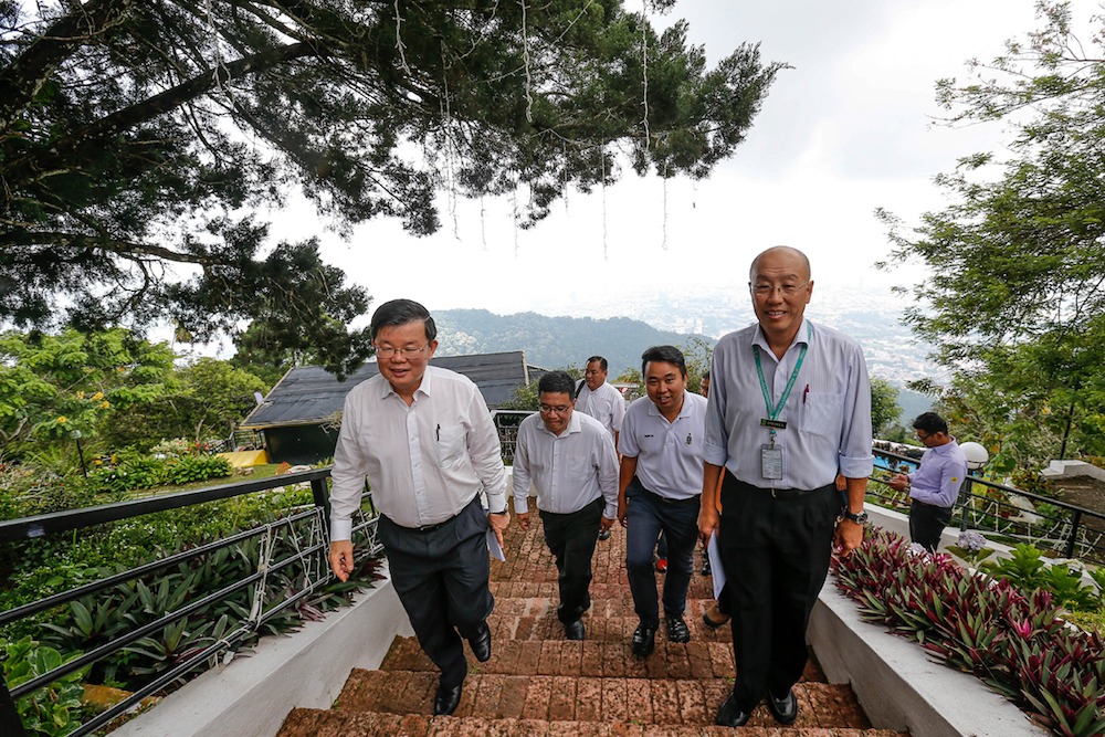 Penang Chief Minister Chow Kon Yeow arrives at Upper Station as he launches the Penang Hill Festival at Penang Hill April 16, 2019. — Picture by Sayuti Zainudin