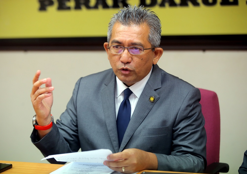 Rungkup assemblyman Datuk Shahrul Zaman Yahya speaks during a press conference in Ipoh April 18, 2019. — Picture by Farhan Najib