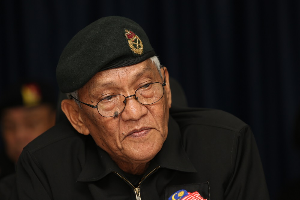 National Patriots Association (Patriot) president Brig-Jen (Rtd) Datuk Mohamed Arshad speaks during a press conference in Kuala Lumpur April 22, 2019. — Picture by Choo Choy May