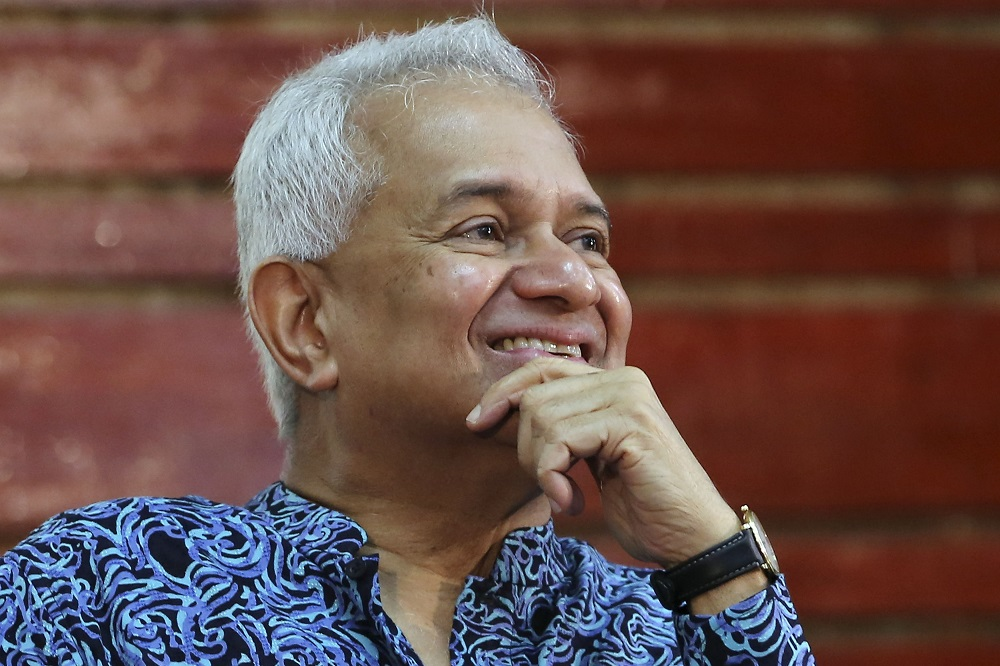 Tan Sri Tommy Thomas has reportedly said that PAS may have helped him stay as attorney general. — Picture by Yusof Mat Isa