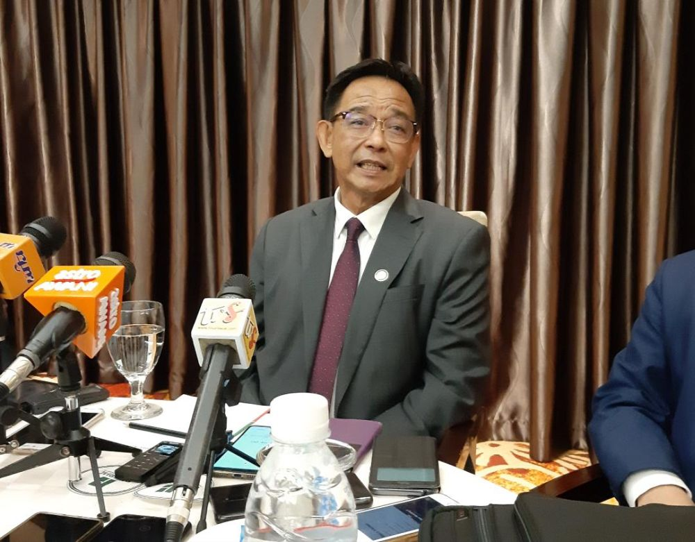Abdul Karim said the state government will identify potential tourism products and propose them to the federal government. — Picture by Sulok Tawie