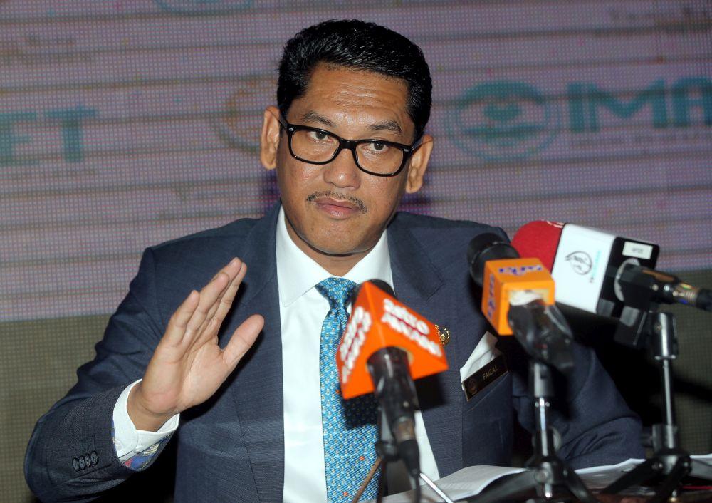 Perak Mentri Besar Datuk Seri Ahmad Faizal Azumu speaks during a press conference in Tapah April 26, 2019. ― Picture by Farhan Najib