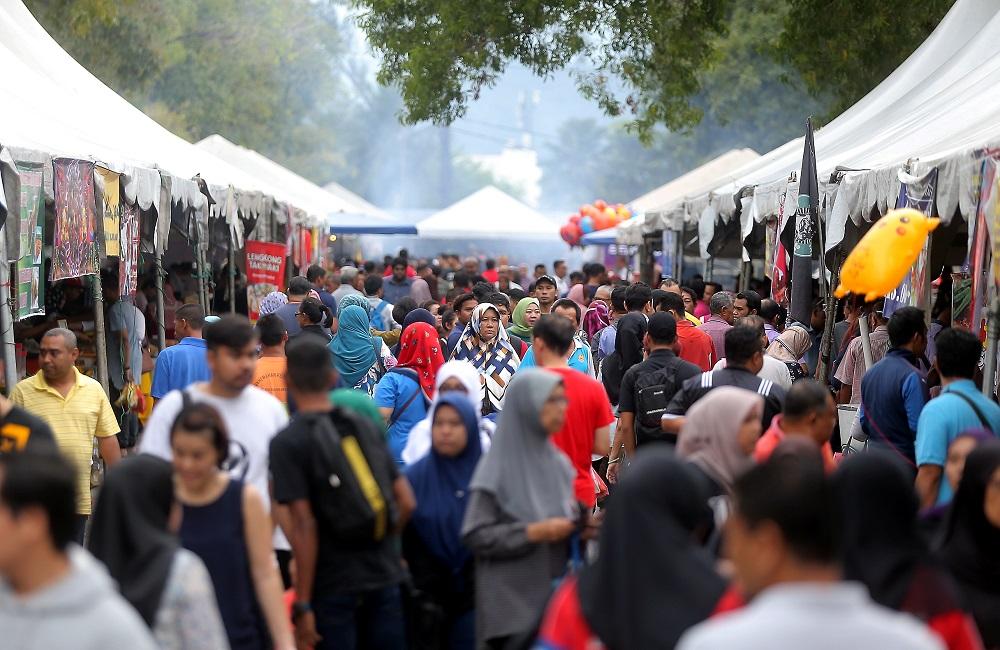 No Ramadan bazaars this year? Fret not, Terengganu is introducing the online bazaar. — Picture by Farhan Najib