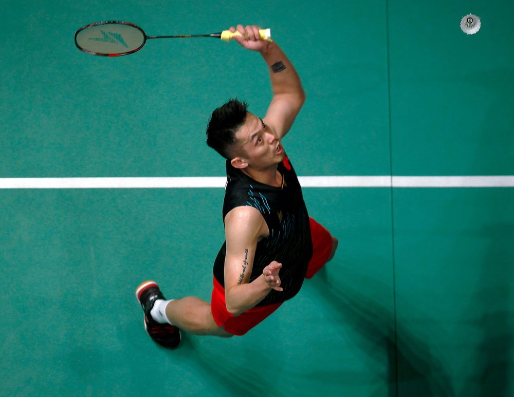China's Lin Dan in action against the compatriot Shi Yuqi in the semi-final match of the Celcom Axiata 2019 Open Malaysia Open at the Axiata Arena Bukit Jalil April 6, 2019. — Bernama pic
