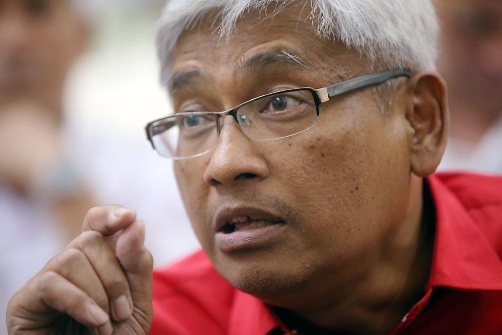 Abdul Aziz Bari speaks to reporters during Perak's Teachers Day celebration at Aeon Mall, Ipoh April 2, 2019. — Picture by Farhan Najib