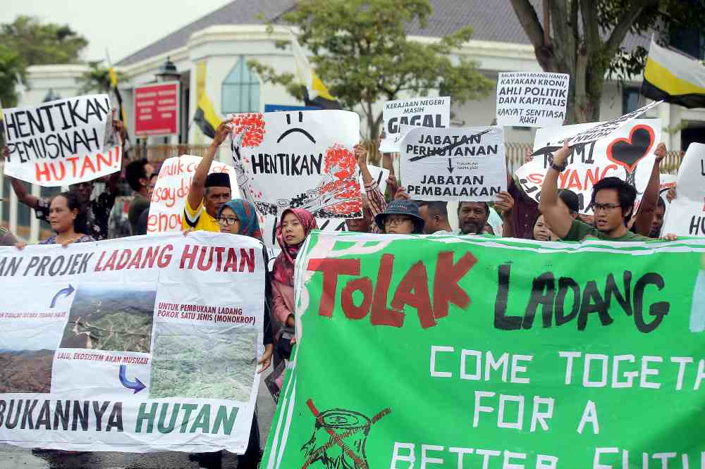 Around 100 Orang Asli from various villages gathered peacefully to protest deforestation and farming projects in Perak forest reserves, April 30, 2019. ― Pictures by Farhan Najib