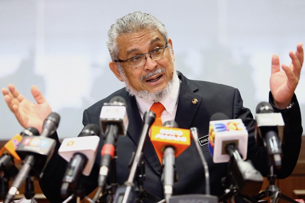 Federal Territories Minister Khalid Samad speaks to reporters in Putrajaya April 22, 2019. — Picture by Hari Anggara