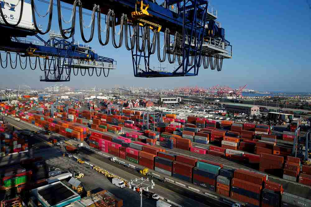 Los Angeles Port, the busiest US gateway for ocean trade with China. — Reuters pic