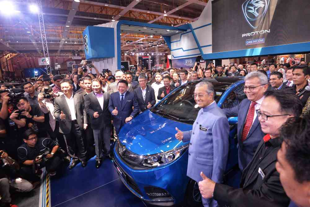 Tun Dr Mahathir Mohamad launches the Malaysia Autoshow 2019 in Serdang April 11, 2019. ― Picture by Shafwan Zaidon