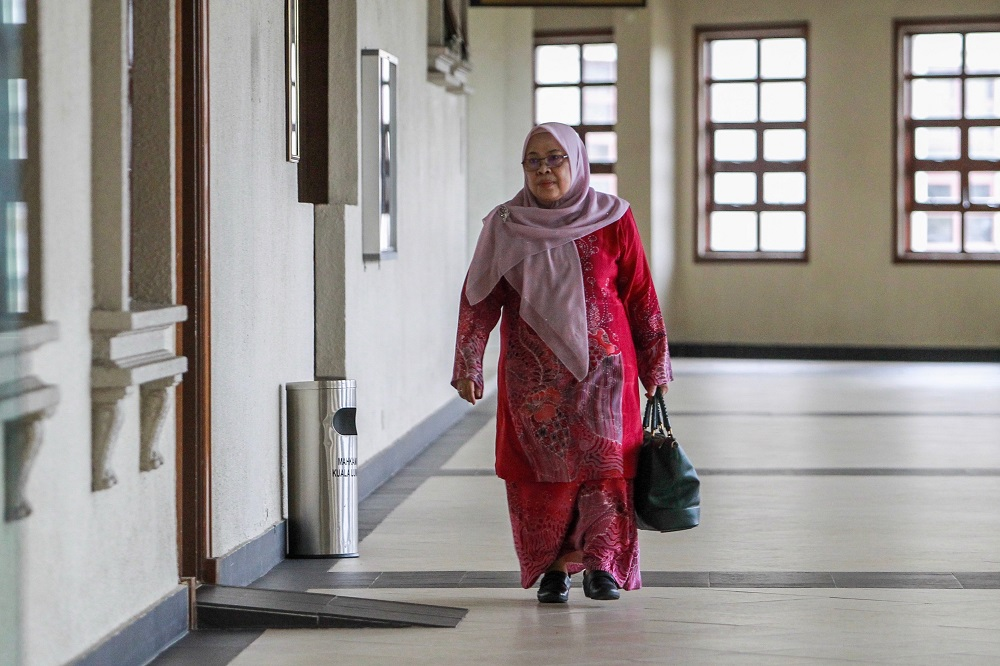 Former vice president of the Retirement Fund Incorporated's Investment Support Services Department, Amirah Muhammad Nor, at the Duta Court in Kuala Lumpur May 9, 2019. — Picture by Hari Anggara