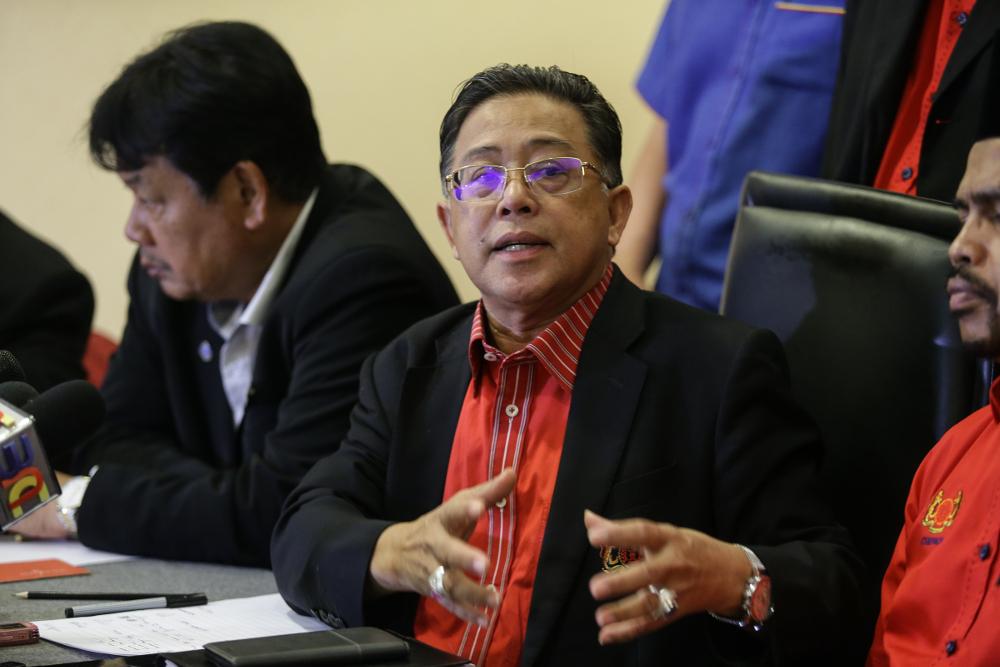 Cuepacs president Datuk Azih Muda speaks during press conference in Kuala Lumpur May 13, 2019. — Picture by Ahmad Zamzahuri