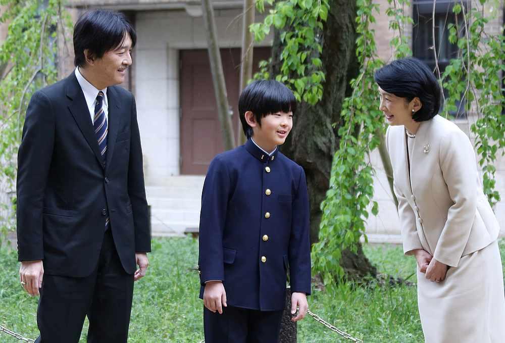 Prince Hisahito talks with his parents Prince Akishino and Princess Kiko at Ochanomizu University junior high school before attending the entrance ceremony in Tokyo, Japan April 8, 2019. — Koji Sasahara/Pool pic via Reuters