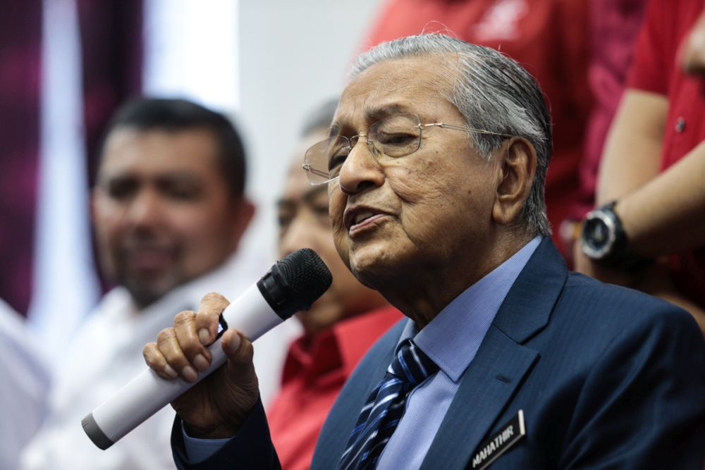 Analysts agreed that Dr Mahathir will fight tooth and nail in retaliation against his sacking. — Picture by Ahmad Zamzahuri