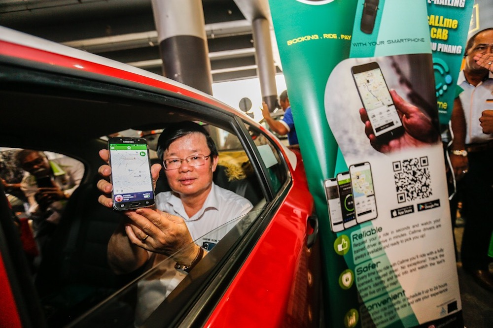 Penang Chief Minister Chow Kon Yeow officiates the launch of the Callme Cab app in George Town May 22, 2019. — Pictures by Sayuti Zainudin