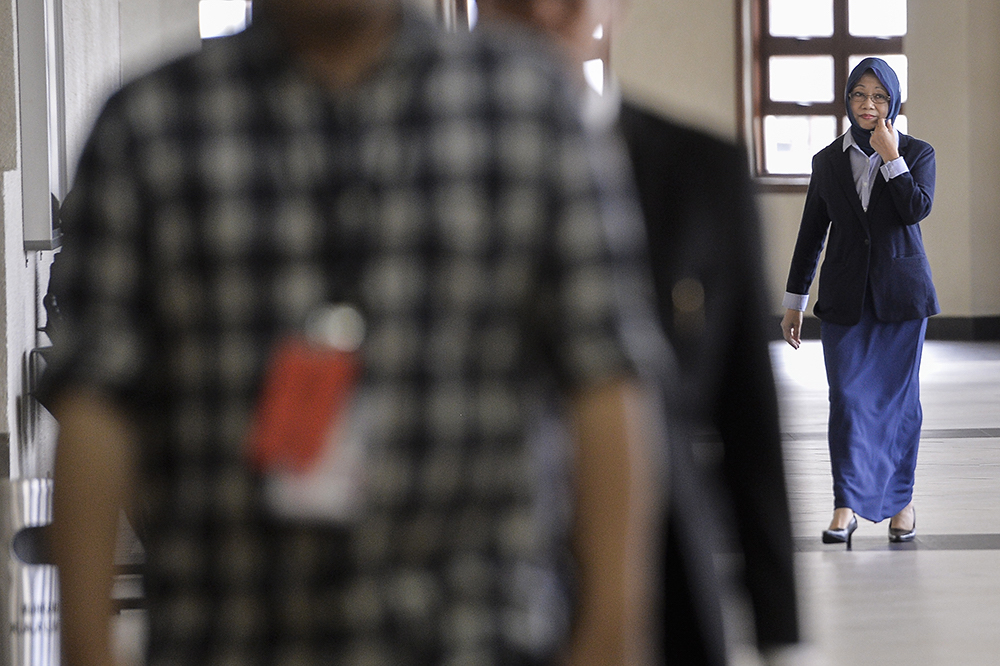 Former deputy chief secretary to the government Tan Sri Mazidah Abdul Majid arrives at the Kuala Lumpur Courts Complex June 20, 2019. — Picture by Miera Zulyana