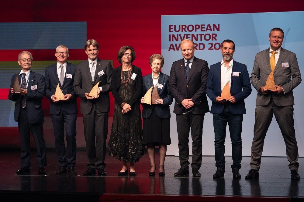 The winners of the European Inventor Award 2019 on stage at the award ceremony in Vienna on 20 June 2019, together with EPO President António Campinos, and Jury member Ursula Keller. — Picture courtesy of European Patent Office