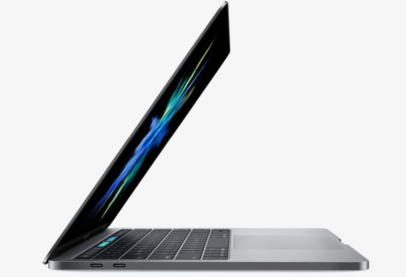According to statement, Apple is issuing a recall for older generation 15-inch MacBooks as some have batteries that are prone to overheating. ― Picture via SoyaCincau