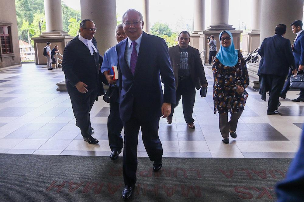Datuk Seri Najib Razak arrives at the Kuala Lumpur Court Complex June 18, 2019. — Picture by Hari Anggara