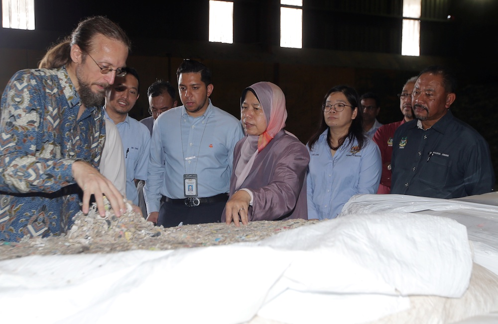 Housing and Local Government Minister Zuraida Kamaruddin visits alternative fuel manufacturer ResourceCo Asia in Chemor July 17, 2019. — Picture by Farhan Najib