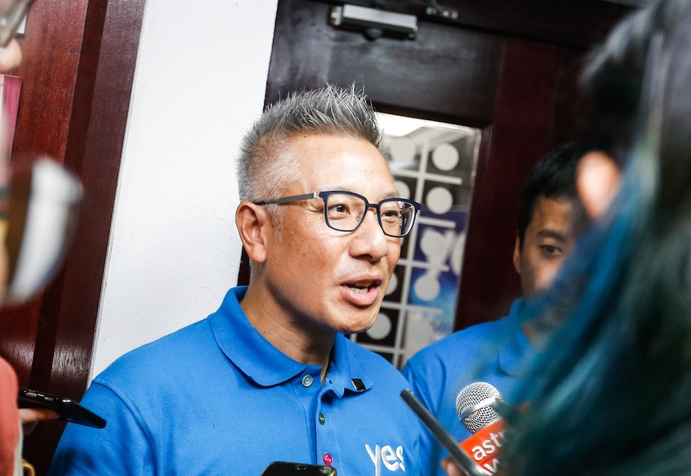 YTL Communications CEO Wing K. Lee speaks to the press during the Pilot Project for Gigawire in George Town July 9, 2019. — Picture by Sayuti Zainudin