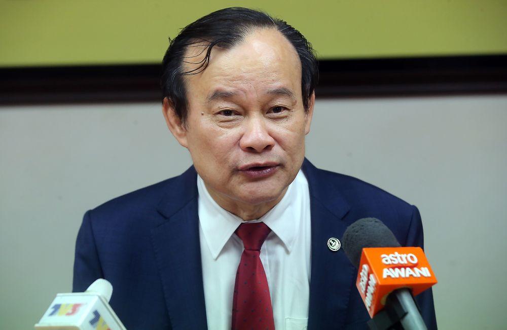 Datuk Ngeh Koo Ham speaks to reporters at the State Secretariat Building in Ipoh July 19, 2019. — Picture by Farhan Najib