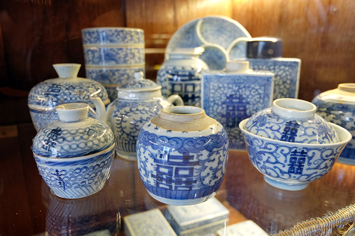 Despite the blue and white colours — often the colour of mourning — these covered bowls and jars with double happiness motifs were used for happier occasions.