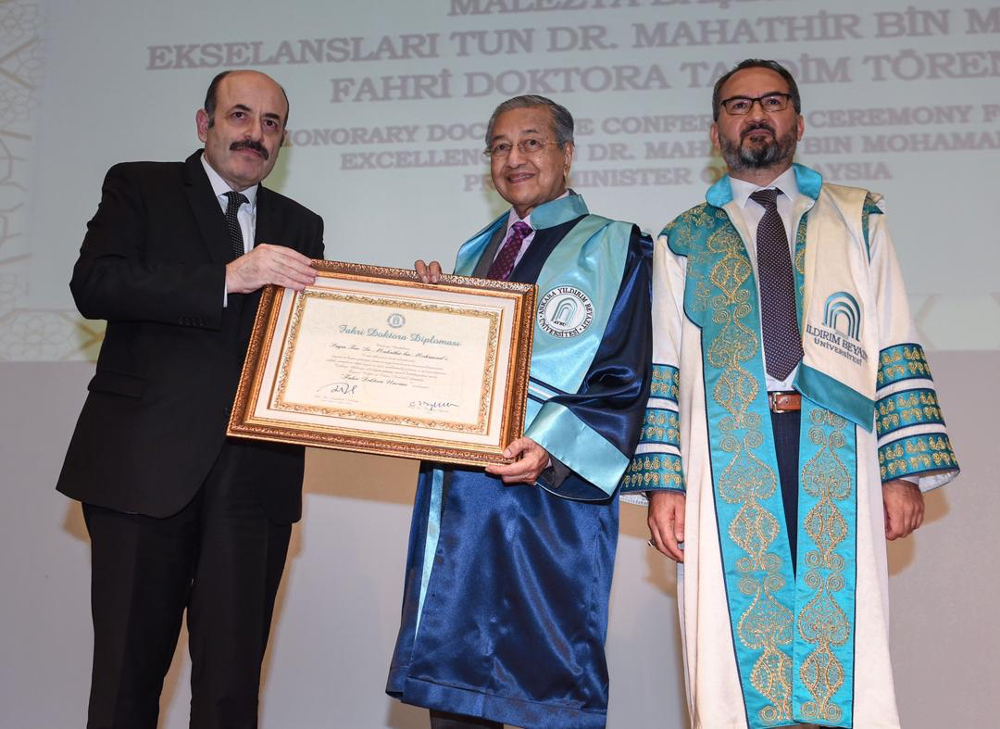 Tun Dr Mahathir Mohamad is conferred an honorary doctorate by Ankara Yildirim Beyazit University at the Council of Higher Education, Ankara July 25, 2019. — Bernama pic