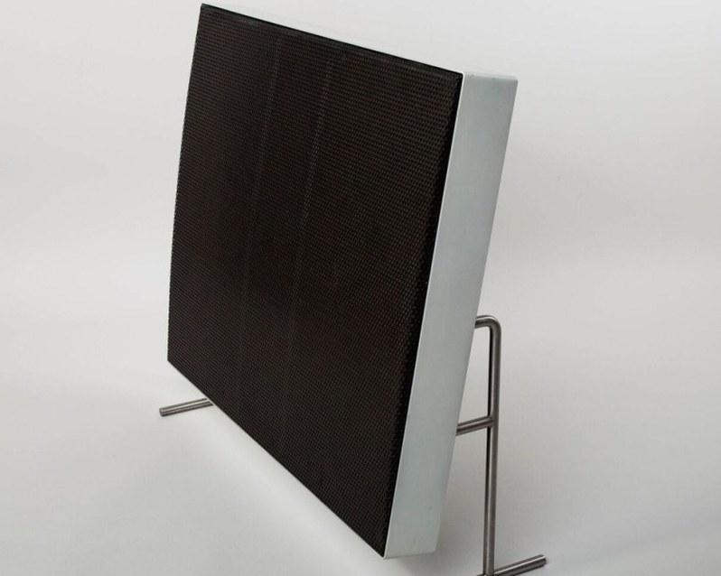 Braun is bringing back its historic LE speaker range. ― AFP pic