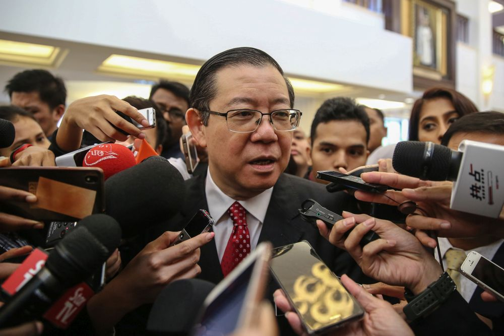 Finance Minister Lim Guan Eng said that the government also succeeded in shrinking its current account deficit by some 94 per cent to RM1.1 billion for the same period January-May period this year, from RM17.1 billion for the same timeframe last year.. — Picture by Yusof Mat Isa